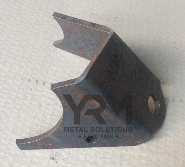 Lhs Rear Axle Shocker Mounting Point Bracket Yrm Metal