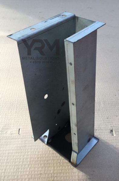 Lhs Headlamp Front Mount Part C Rrc Yrm Metal Solutions