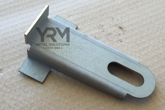 Defender Rear Crossmember Exhaust Hanger Yrm Metal Solutions