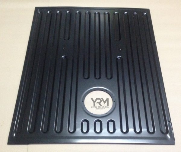 Rear Boot Floor Kit Discovery 1 Yrm Metal Solutions