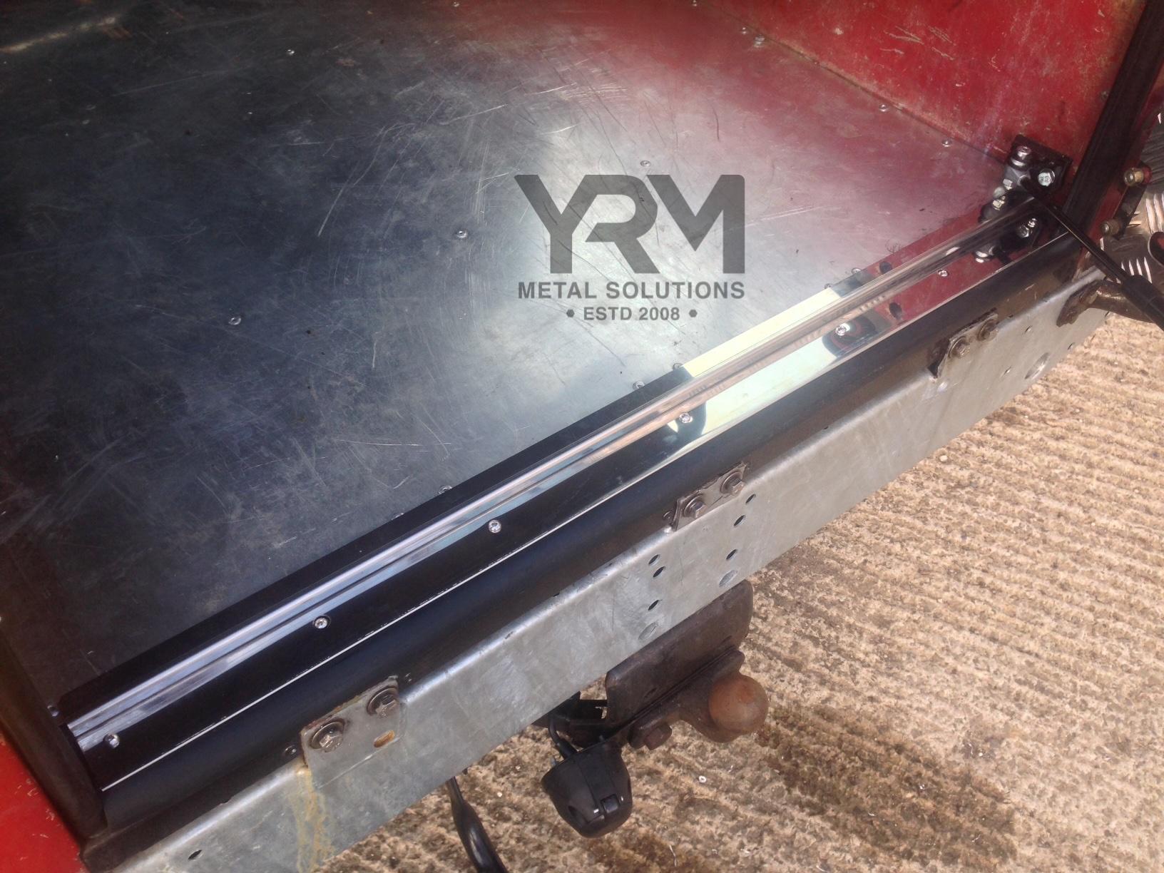Stainless Steel Rear Safari Door Thresh Amp Rubber Yrm