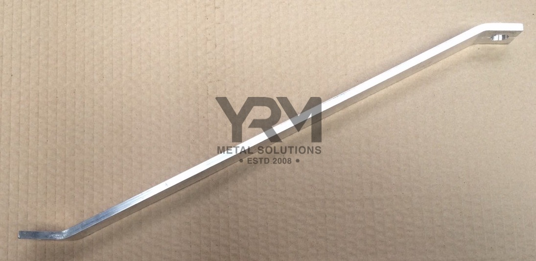 Rear Wing Stay Lr Defender 110 130 4 Or 5 Door Yrm