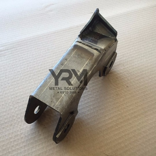 Rhs Front Axle Radius Arm Yrm Metal Solutions