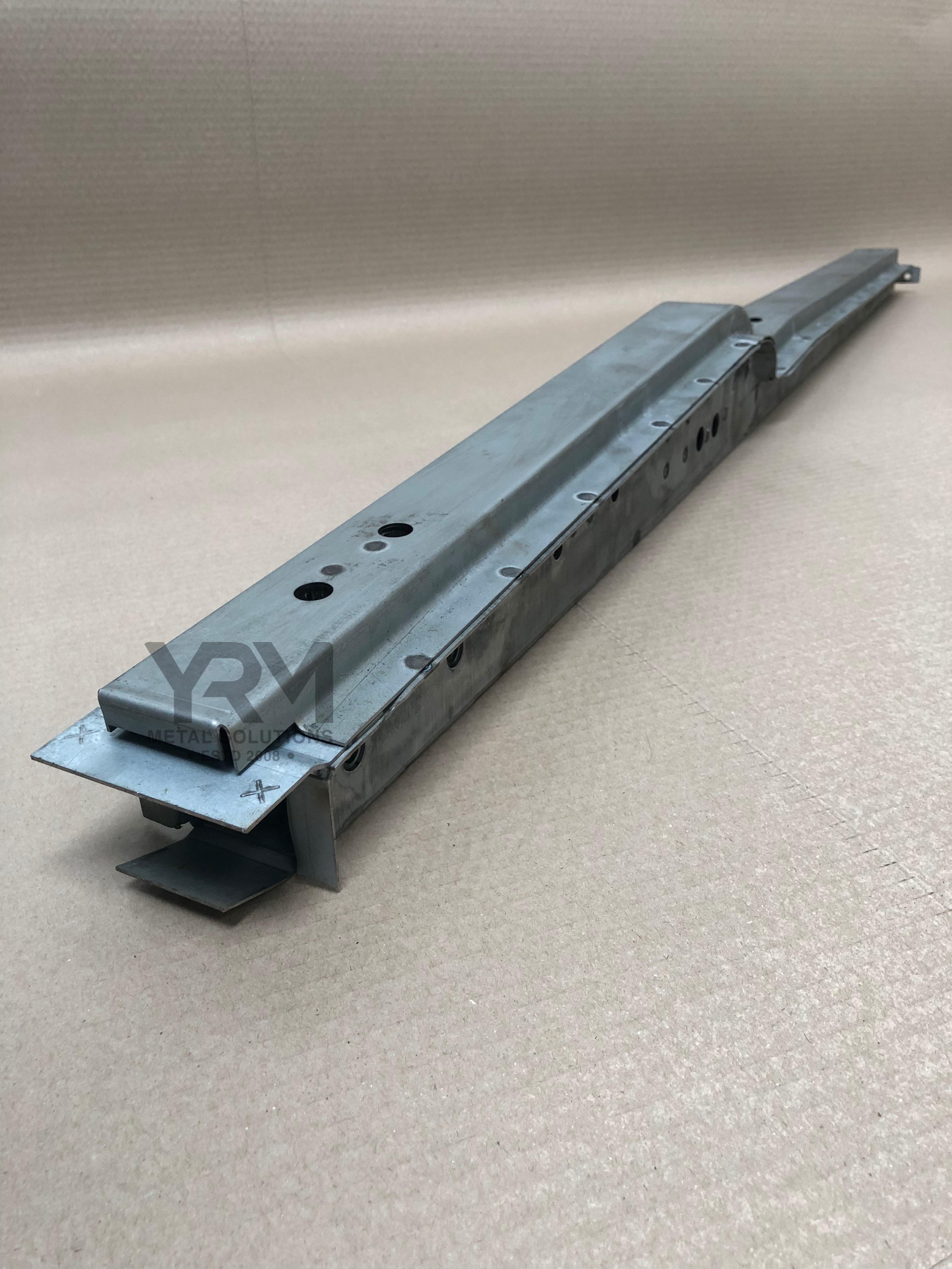 Full B Post Lr Defender Amp Series 4 Or 5 Door Yrm
